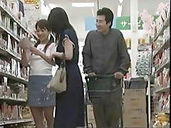 흥분 어머니 수 & t 저항 슈퍼마켓에서 씨 발