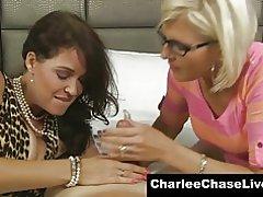 큰 가슴 milf charlee 체이스 사랑 그녀의 연인 수 탉을 공유!