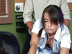 성숙한 하 녀는 그녀의 직업을 유지 하려고! f70